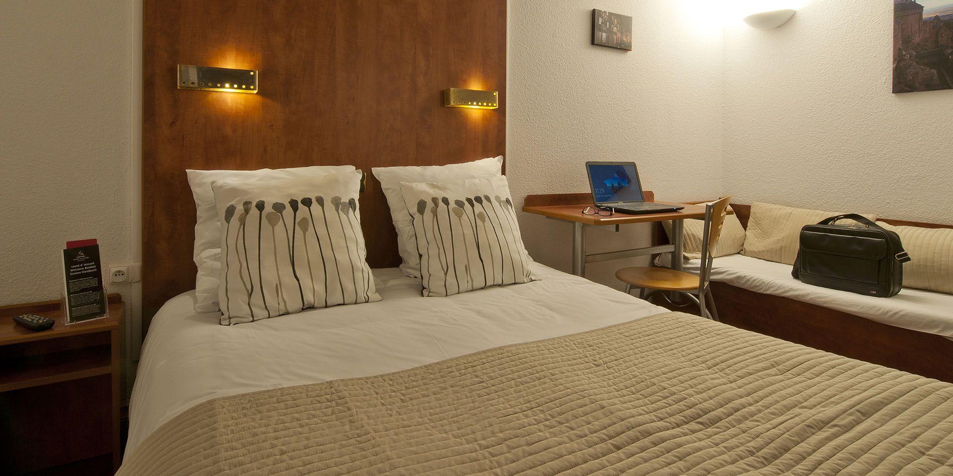 h tel colmar l 39 h tel arc en ciel 2 toiles colmar. Black Bedroom Furniture Sets. Home Design Ideas